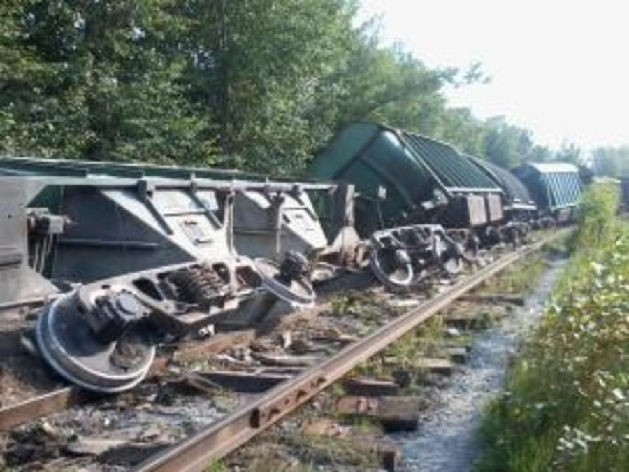 В Перми сошли с рельсов 13 товарных вагонов - фото 1