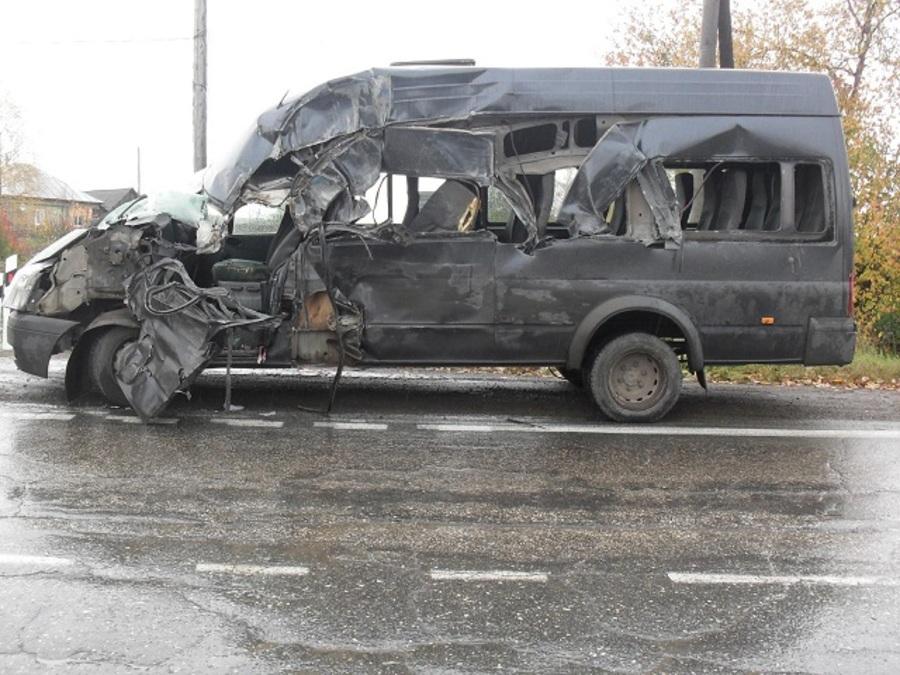 В ДТП с рейсовым автобусом в Лысьве виноват водитель большегруза