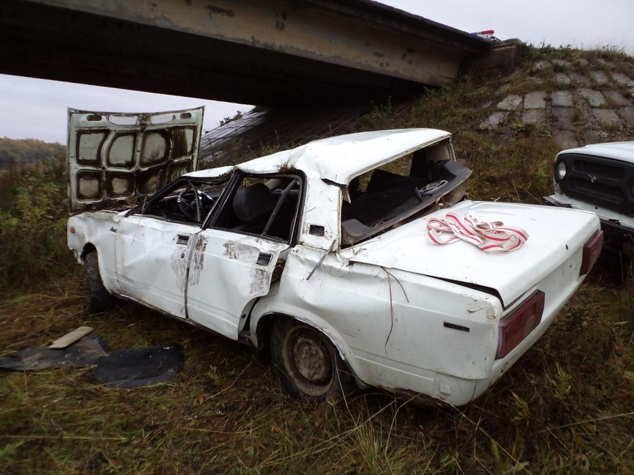 В Чердынском районе при опрокидывании «пятерки» пострадали 4 человека