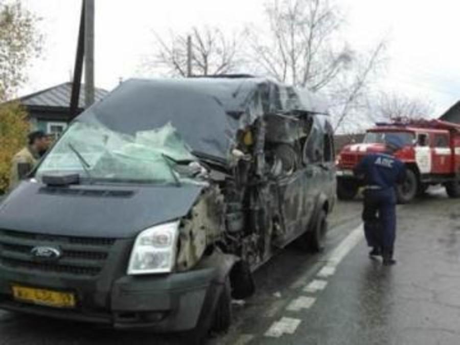 В Лысьве в столкновении КАМАЗа и рейсового автобуса пострадали 5 челловек - фото 1