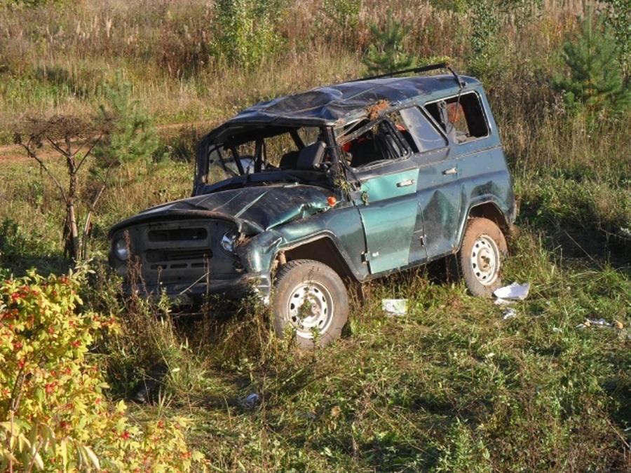 В Пермском районе погиб водитель УАЗа, женщина-пассажир тяжело ранена