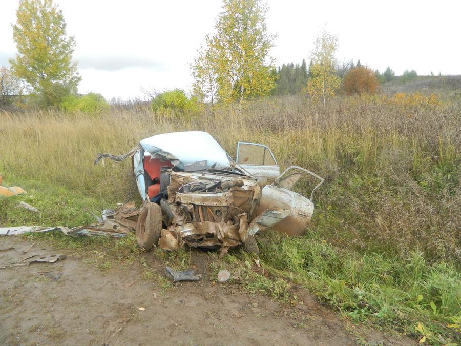 В Сивинском районе Москвич врезался в КАМАЗ, пассажир погиб