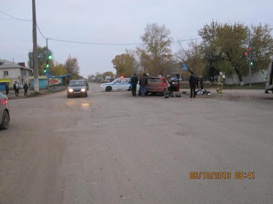 В Чернушке погиб водитель, выехавший на красный свет - фото 1