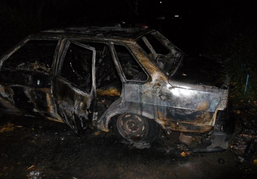 В Осе полиция поймала молодых поджигателей автомобиля