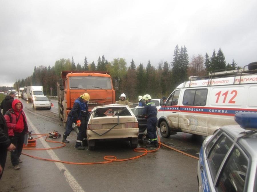 На Восточном обходе Перми погиб водитель ВАЗа - фото 1