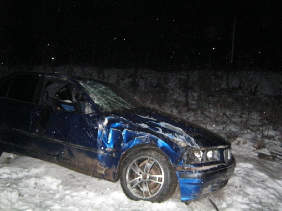 В Пермском районе перевернулся БМВ, водитель погиб, две девушки ранены - фото 1