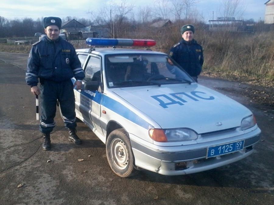 Сотрудники ГИБДД Пермского края спасли людей на пожаре
