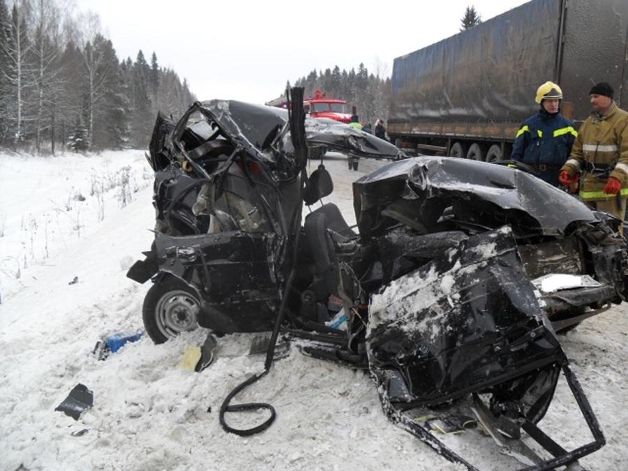 Водитель из Оренбурга, устроивший ДТП на трассе Пермь — Екатеринбург, арестован - фото 1