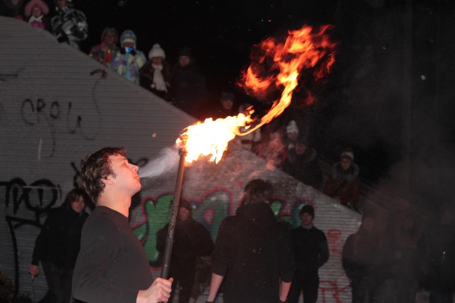 В Перми провели огненные «покрутоны» - фото 1