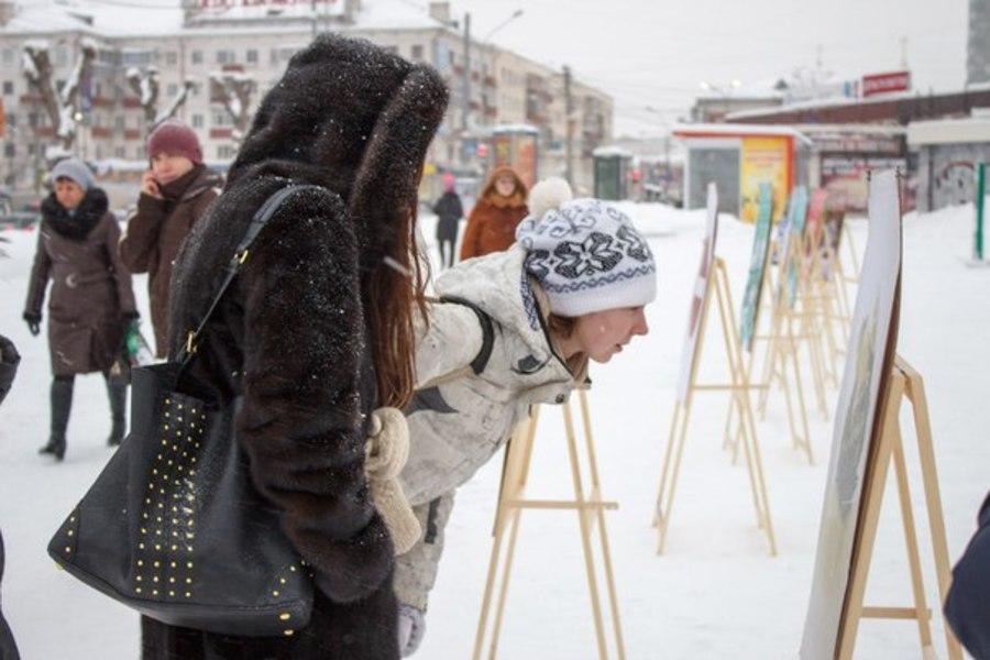 В Перми состоялась оригинальная выставка пермских плакатов - фото 1