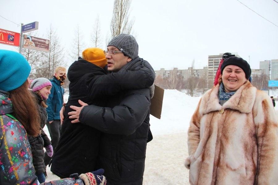 В Перми прошел Free Hugs Day - фото 1