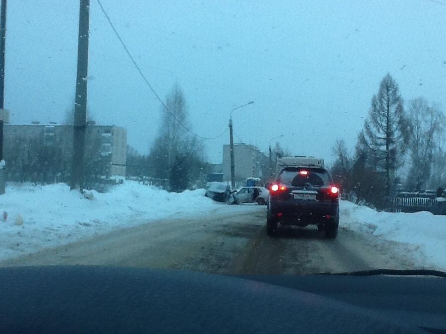 Сегодня в Перми в ДТП пострадали двое взрослых и двое детей
