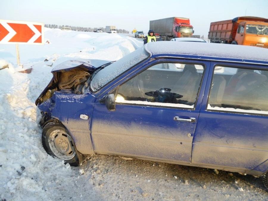 В Пермском районе 77-летний водитель Тойоты получил тяжелые ранения