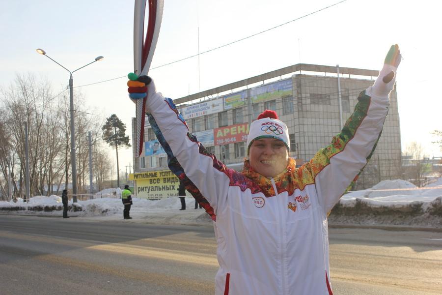 В Мотовилихинском районе Перми факел Олимпийского огня пронесла чемпионка мира - фото 3