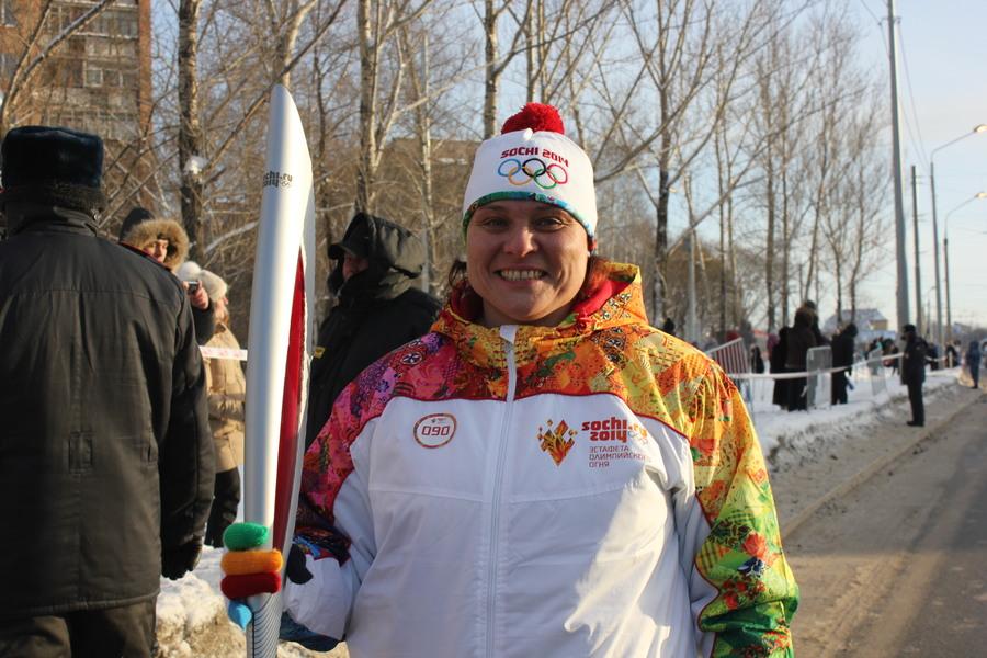 В Мотовилихинском районе Перми факел Олимпийского огня пронесла чемпионка мира - фото 4
