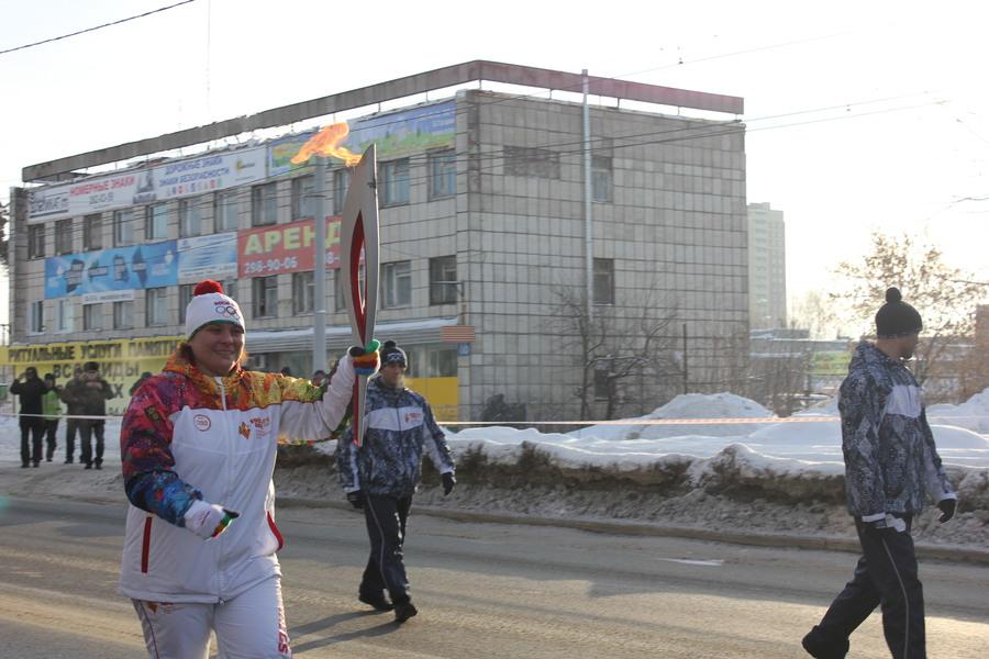В Мотовилихинском районе Перми факел Олимпийского огня пронесла чемпионка мира - фото 5