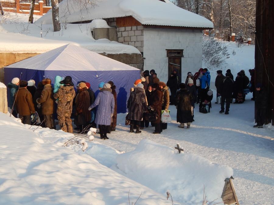 В Перми прошли крещенские купания - фото 1