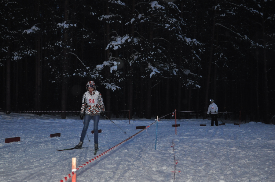 В Перми прошла лыжная гонка при свете фонарей