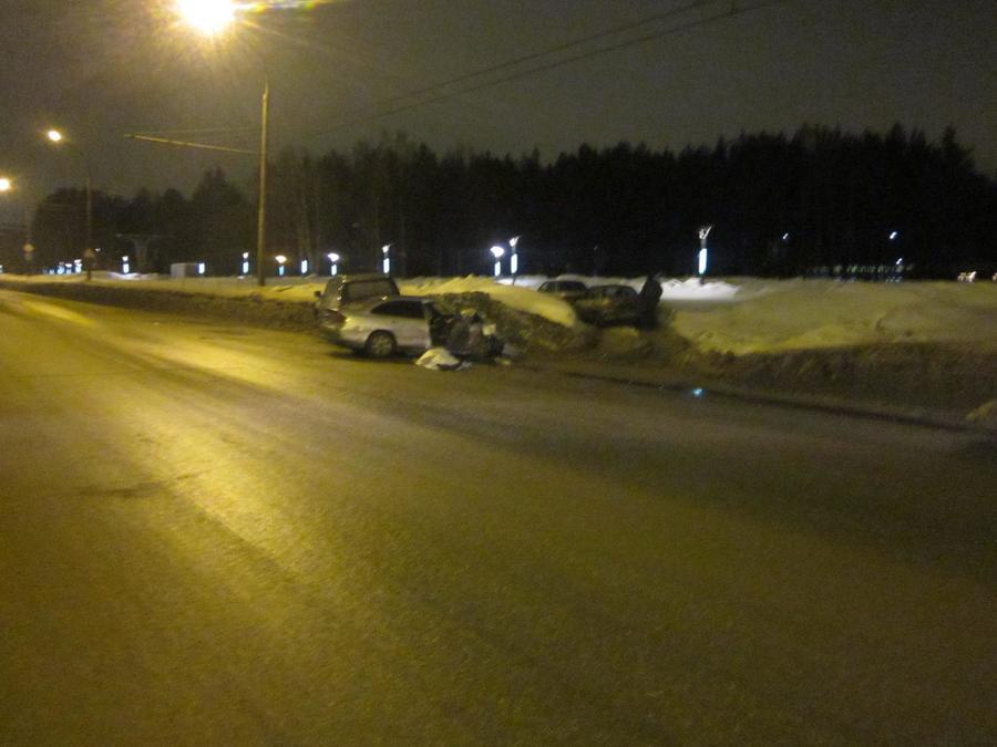 В Дзержинском районе Перми в столкновении Лексуса и Мазды один человек погиб