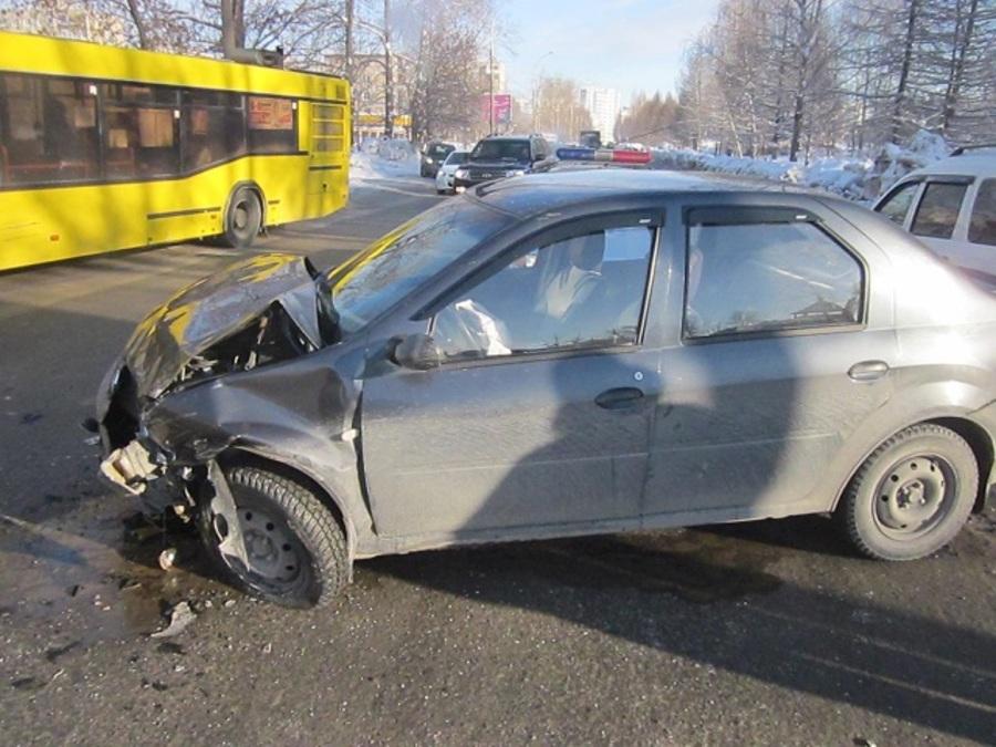 В воскресенье в Перми в двух ДТП пострадали четверо детей - фото 1