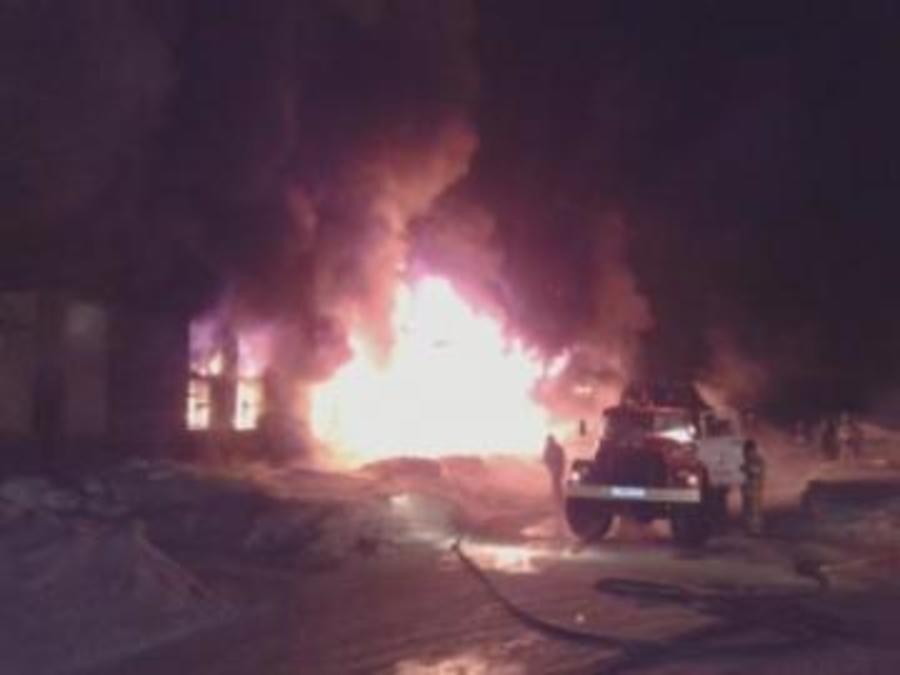 Сегодня ночью произошел крупный пожар (4-й номер) в Перми - фото 1