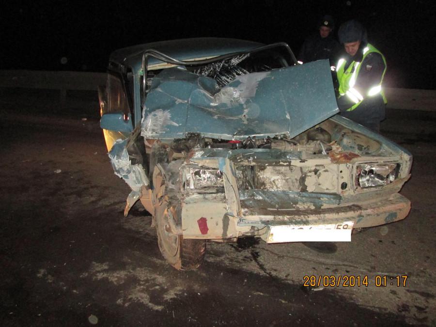 В Пермском крае «семерка» въехала под фуру, пострадали водитель и пассажир