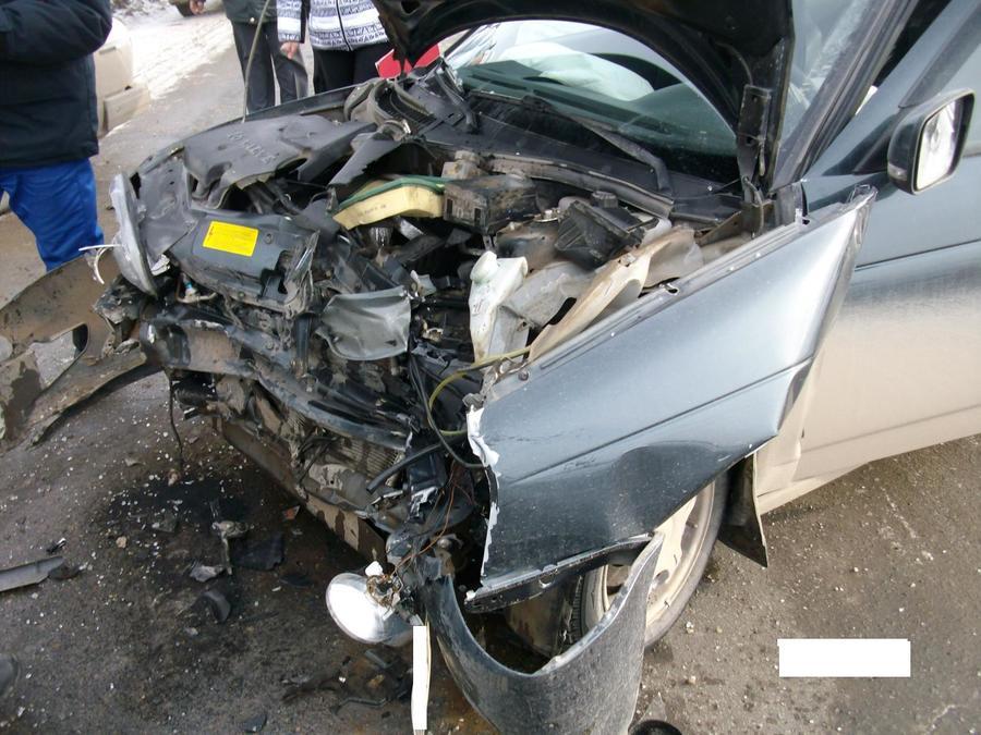 В ДТП на подъезде к Кунгуру пострадавшие получили тяжелые травмы