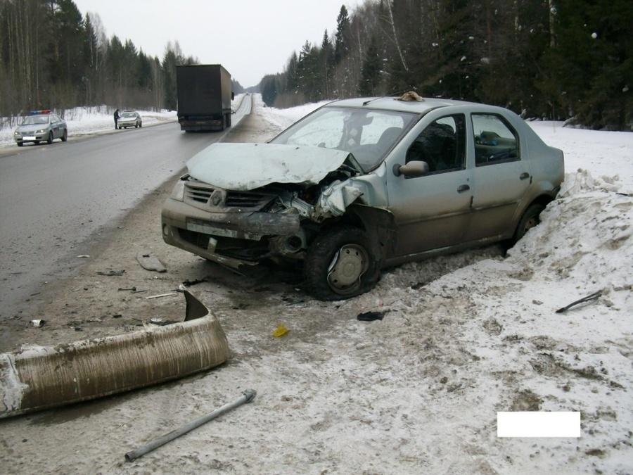 На трассе Пермь — Екатеринбург в ДТП пострадали двое детей