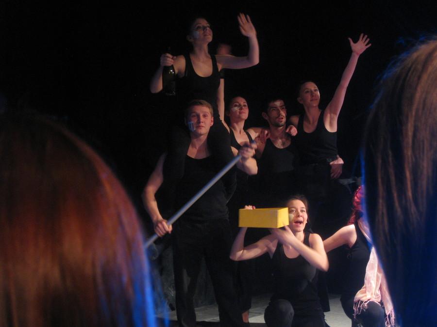 Пермские студенты танцуют дикие танцы - фото 7