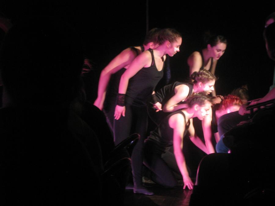 Пермские студенты танцуют дикие танцы - фото 11