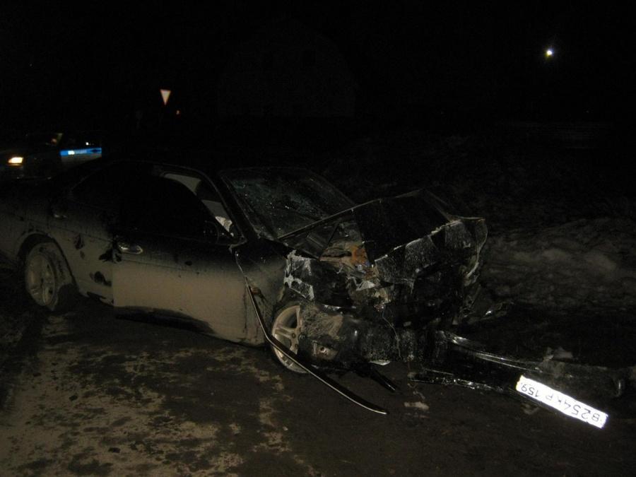 В ДТП в Перми погиб пассажир Ниссана, двое тяжело ранены