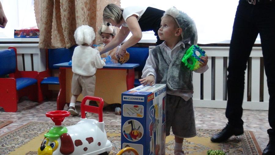 Для детей-сирот Пермского края готовы 3500 подарков