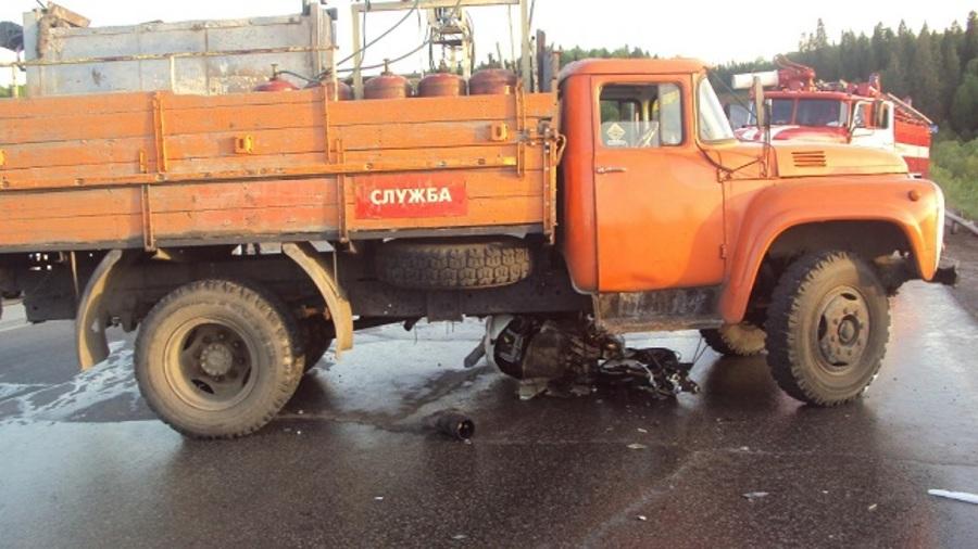 В Пермском крае в столкновении с грузовиком погиб мотоциклист - фото 1