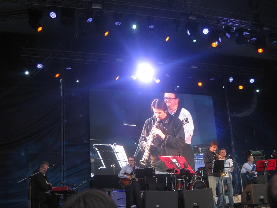 Пермяки подхватили лихорадку с джаз-группой «Rhythm and Bekker»