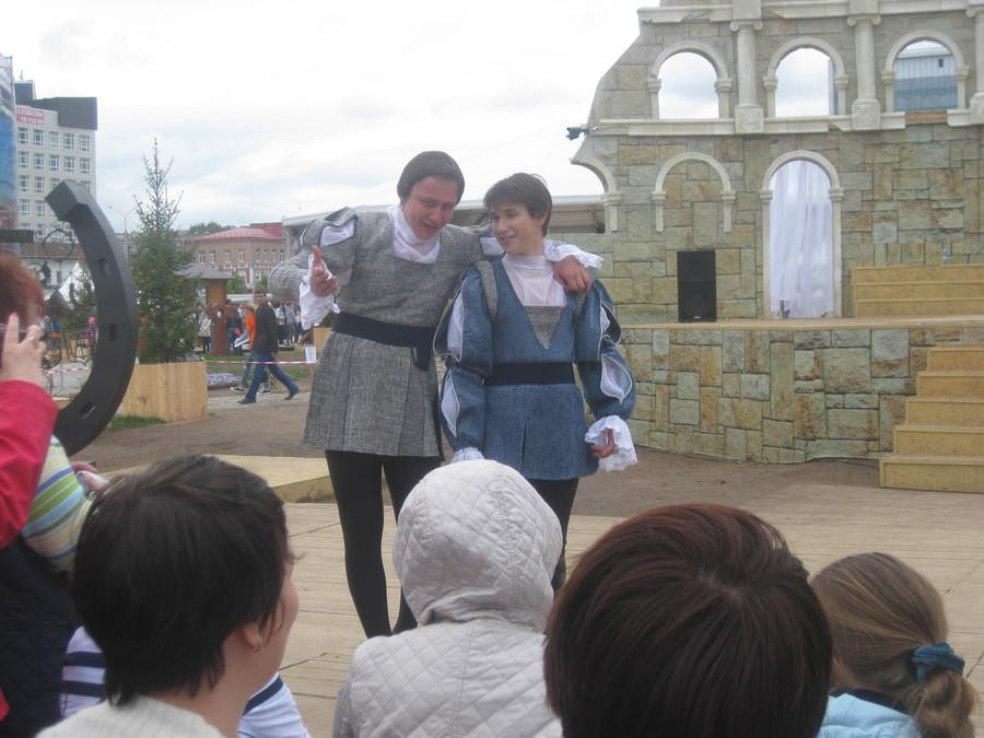 Пермяки стали участниками спектакля губахинского театра