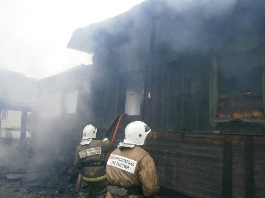 В Чернушке на пожаре погибли четверо взрослых и ребенок - фото 1