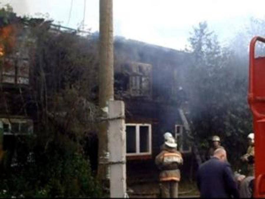 В Усольском районе сгорел двухэтажный дом, есть пострадавшие
