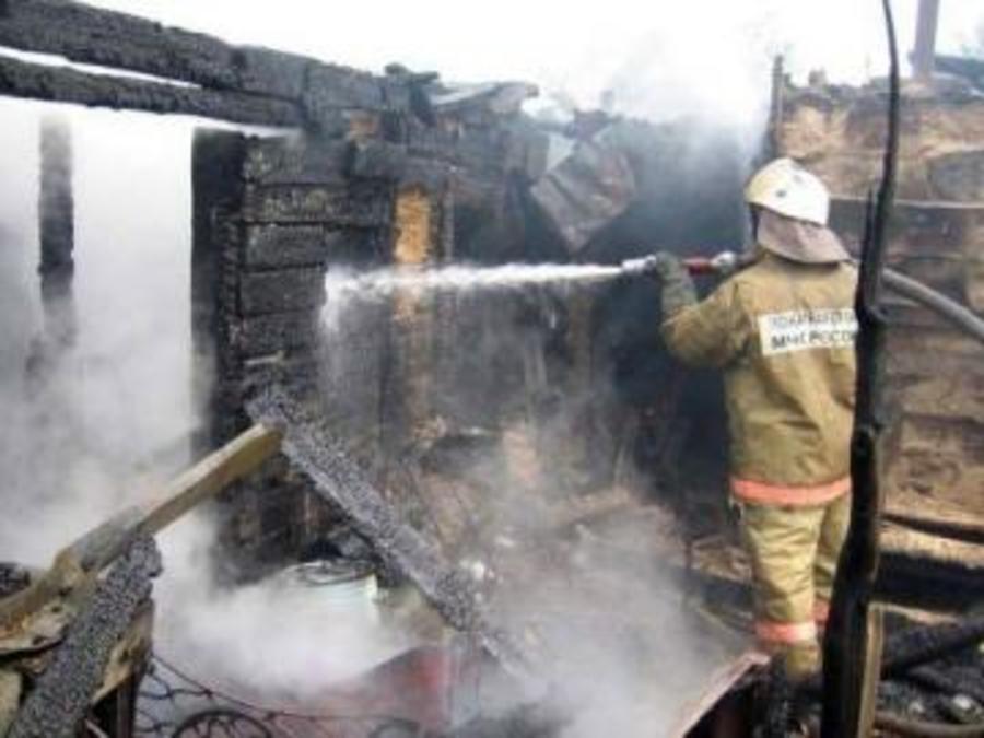 На пожаре в Карагайском районе дети спасли отца и сестру