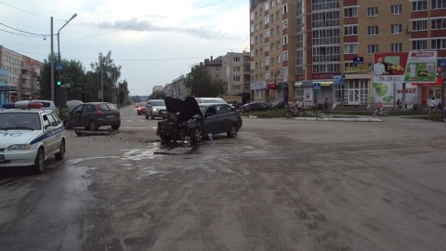 В Добрянке пьяный водитель совершил ДТП, три человека травмированы - фото 1
