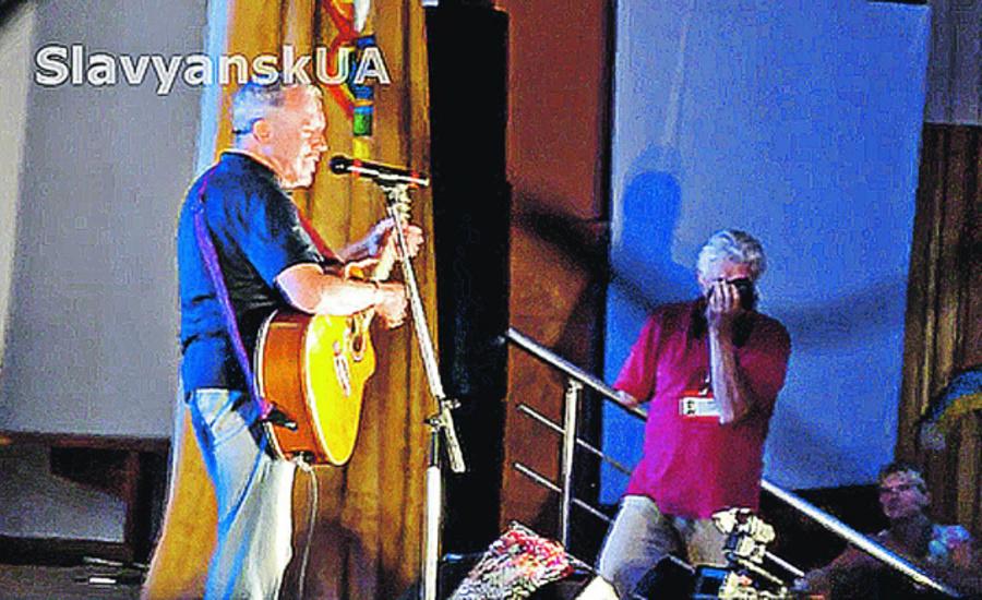 Кобзон - Макаревичу: «Вам осталось только спеть перед Коломойским...» - фото 1