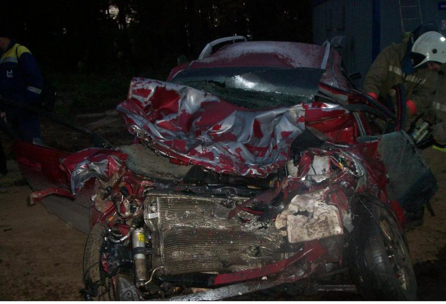 В ДТП на трассе Пермь - Екатеринбург погибли два человека еще двое ранены
