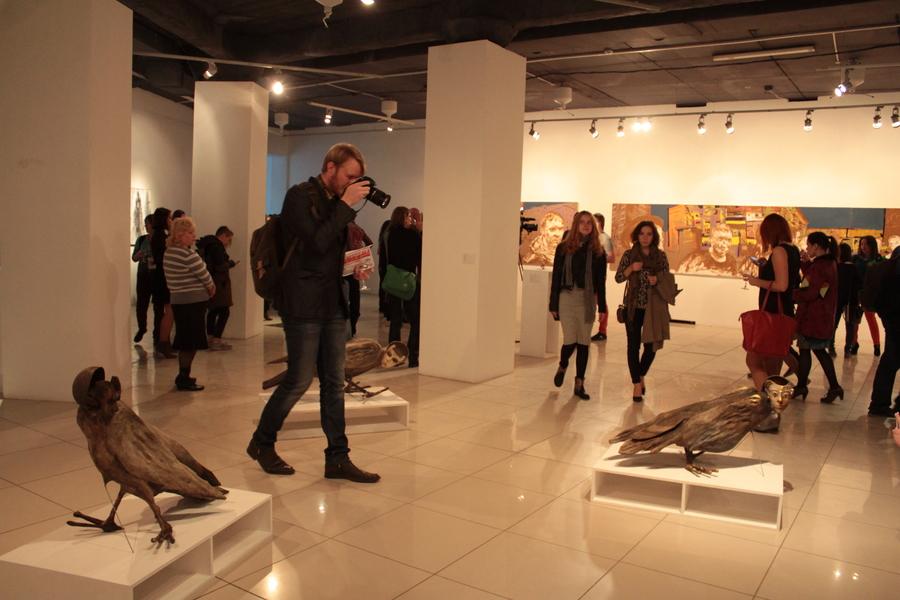 В Перми на выставке «Отцы и дети» запретили лизать экспонаты