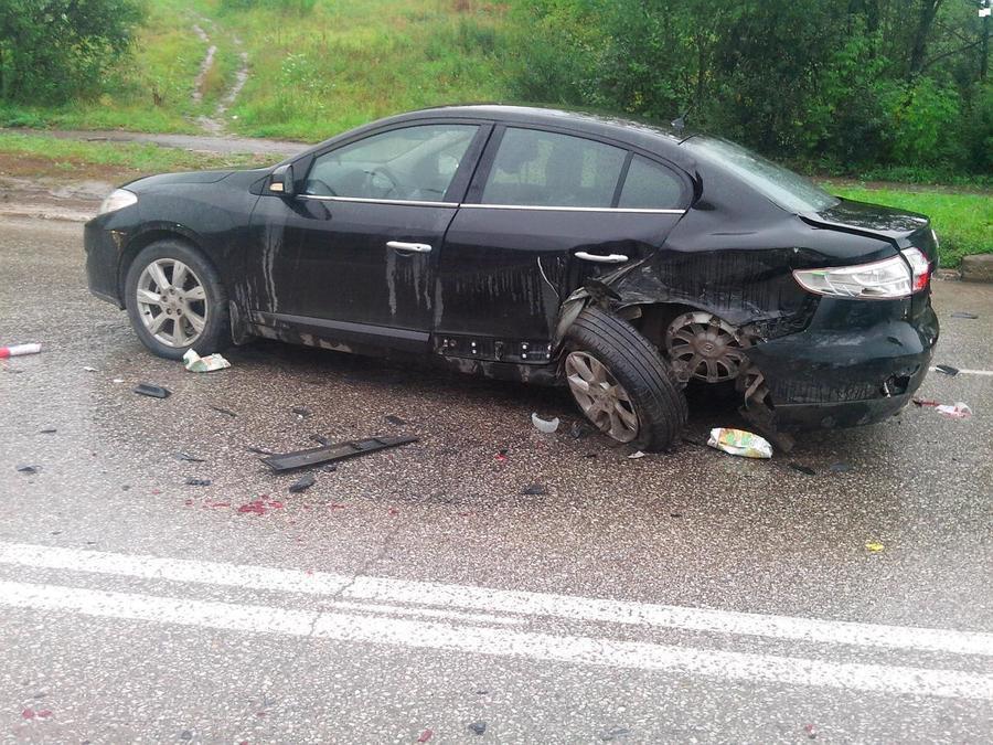 В Перми в столкновении трех машин ранены трое взрослых и мальчик - фото 1