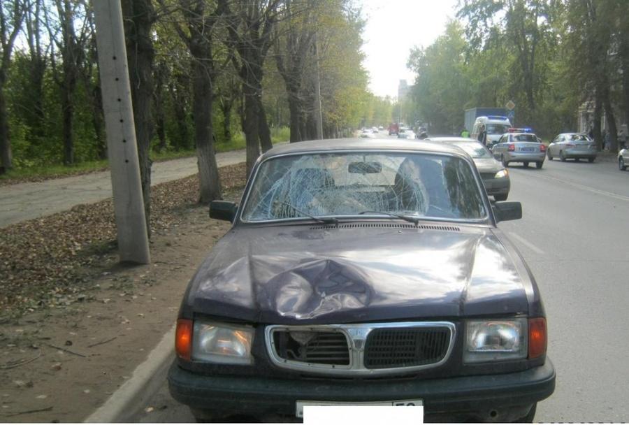 В Перми под колесами Волги погиб пешеход