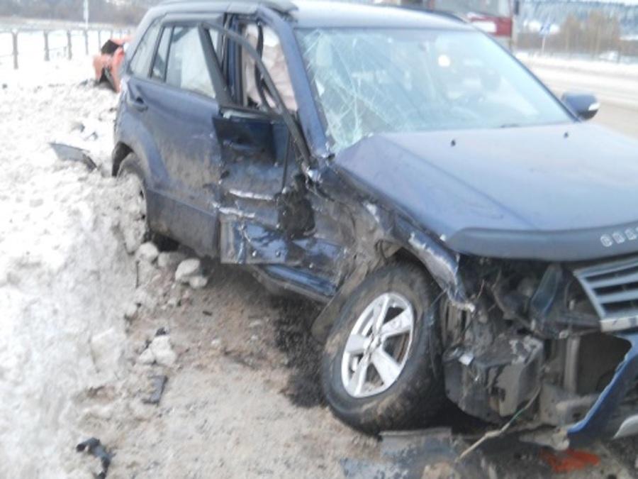 В Перми в столкновении Сузуки и Субару пострадал один человек. - фото 1