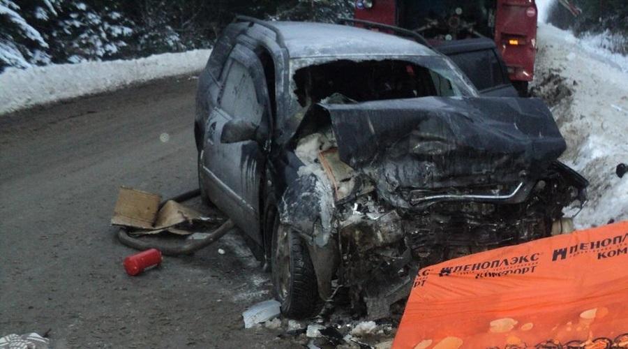 В Пермском районе в столкновени Опеля и Хендая пострадали четыре человека. - фото 1