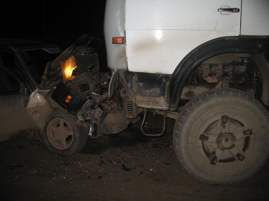В столкновении ВАЗа с КАМАЗом в Чернушинском районе пострадали три человека - фото 1
