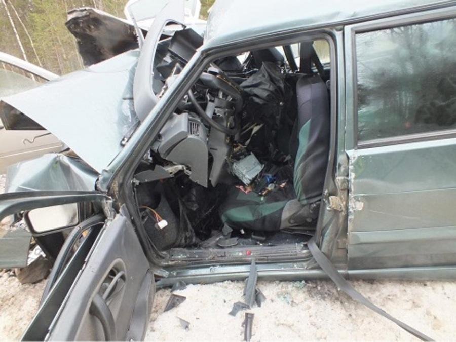 В ДТП на трассе Соликамск — Красновишерск погибли четверо, двое ранены