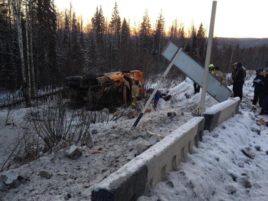 В Пермском крае в перевернувшемся самосвале погиб водитель