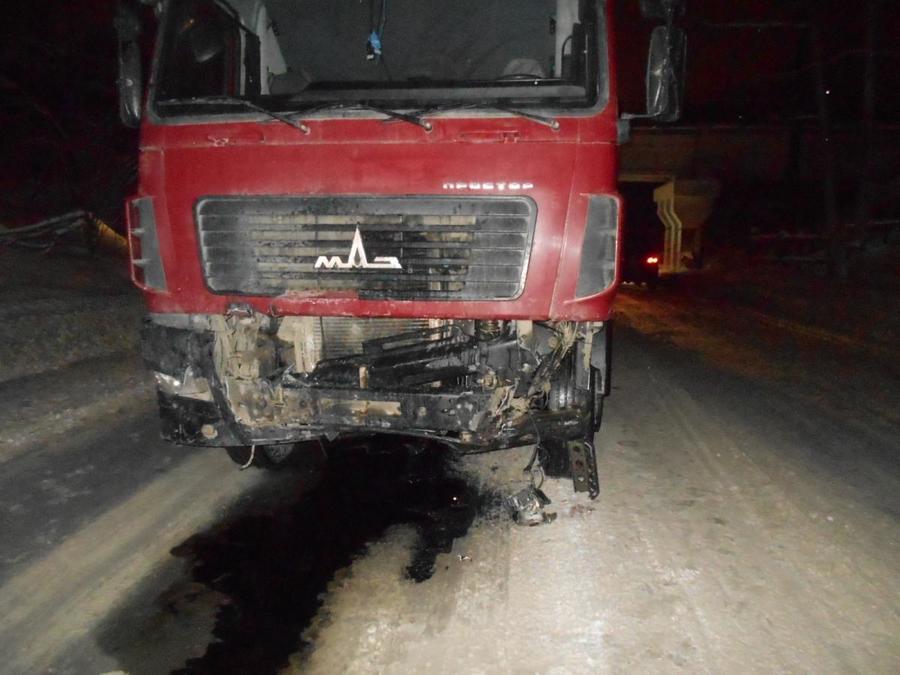 В Березниках Тойота врезалась в МАЗ, водитель погиб